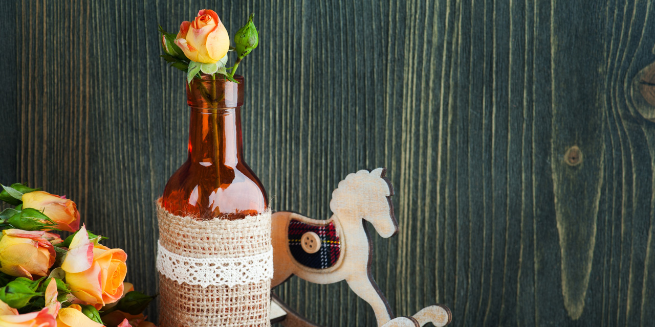 """手軽でおしゃれ。""""花瓶以外""""で花を飾るアイディア8選"""