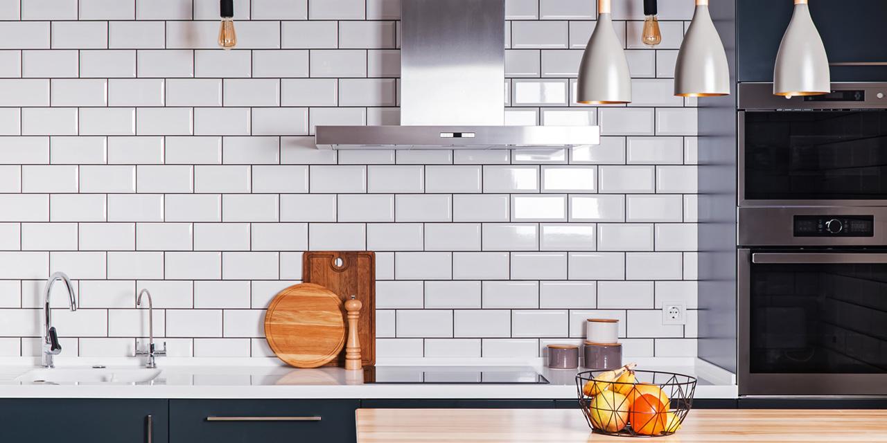DIYやプチリノベで「タイル」が主役のキッチンに!