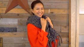 西内ひろさんが作る、うで編みモコモコマフラー How to arm knit a scarf