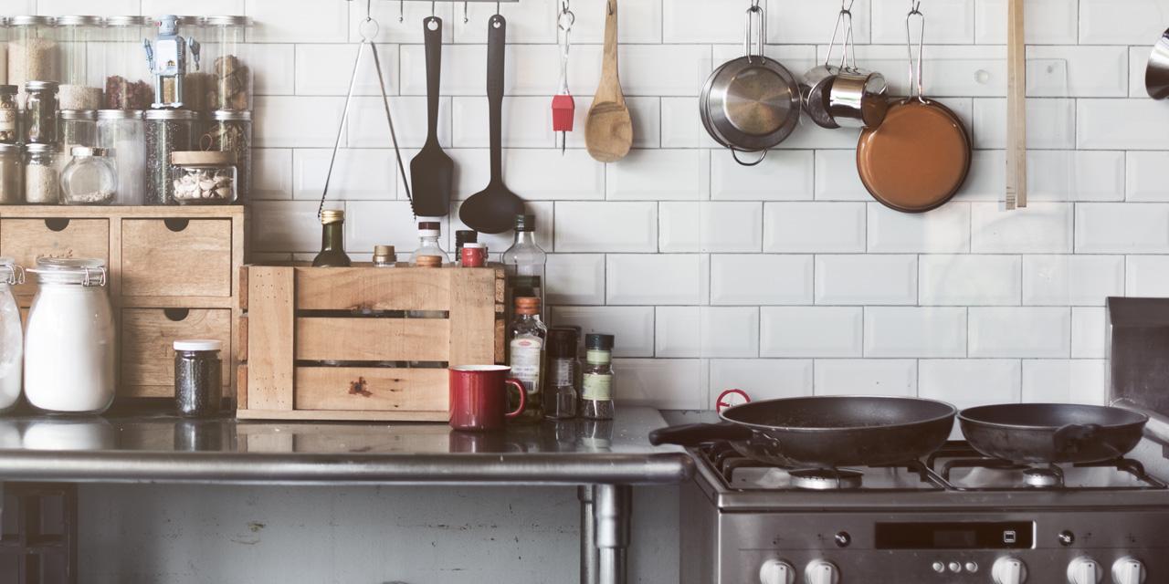 使いやすいキッチンは収納から!収納の基本や便利なアイテムを紹介