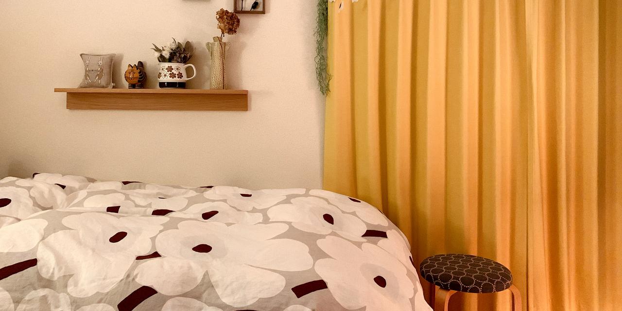 【こだわりの部屋づくりvol.10:後編】 部屋づくりのポイントはカーテンの黄色に合わせて、ほかの家具や小物を選ぶ(hiyokokko90さん)