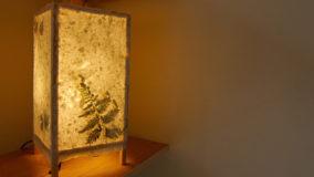 [夏休みの自由研究] 数時間で完成!牛乳パックから紙を作ってランプシェードに! - recycling paper lamp shades