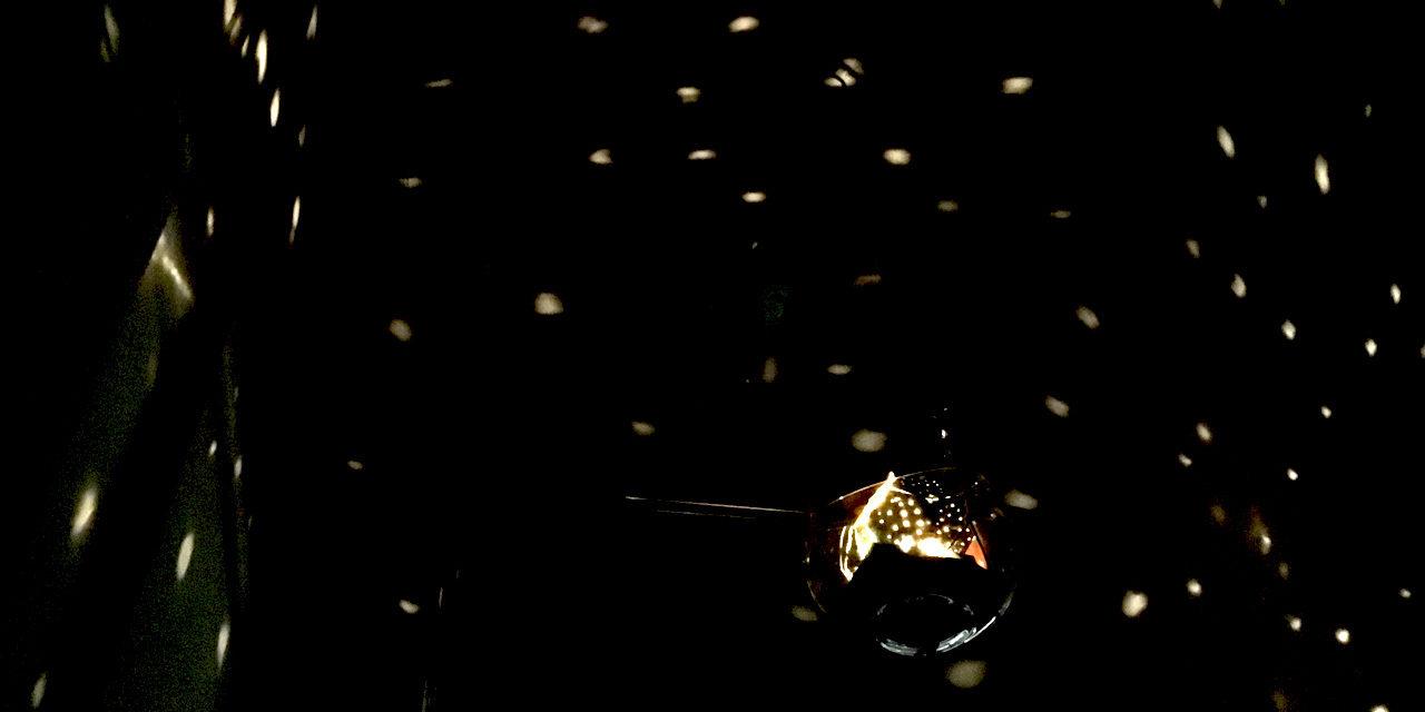 [夏休みの自由研究] 星空を室内に!簡易プラネタリウムを工作(展開図ダウンロード可能) – Planetarium DIY
