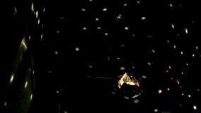 [夏休みの自由研究] 星空を室内に!簡易プラネタリウムを工作(展開図ダウンロード可能) - Planetarium DIY