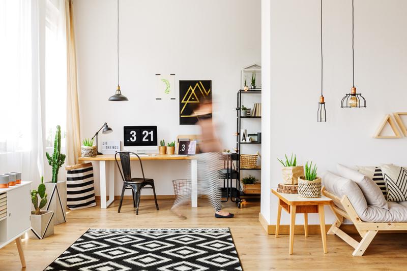 木目を利用した家具が目に優しいナチュラルスタイル