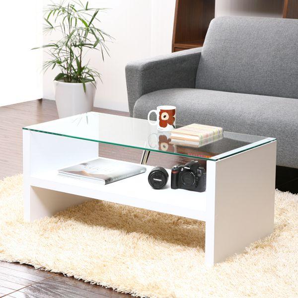 シンプルなカフェテーブル