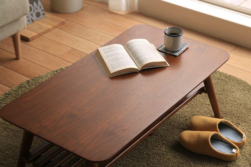 ナチュラルカラーの収納テーブル