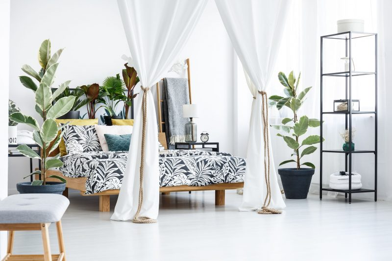 ベッドスペースを仕切るカーテン