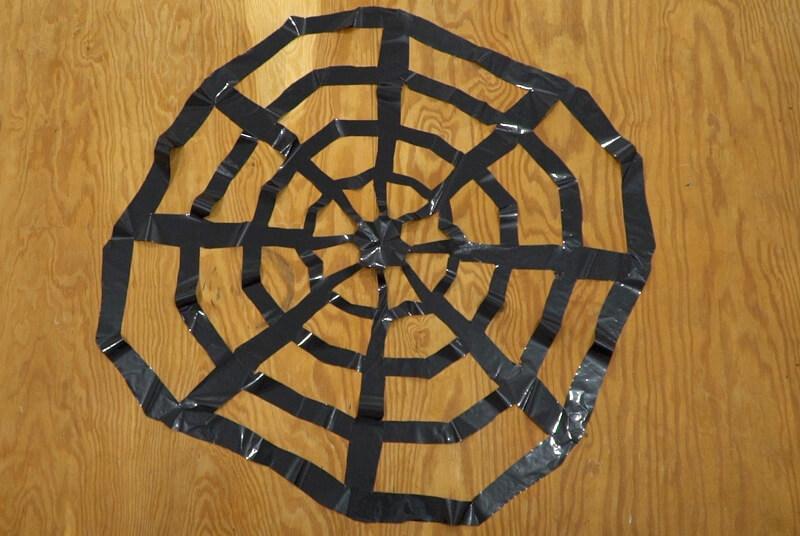 ゴミ袋のクモの巣完成