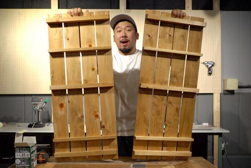 天板と底板を取り付ける