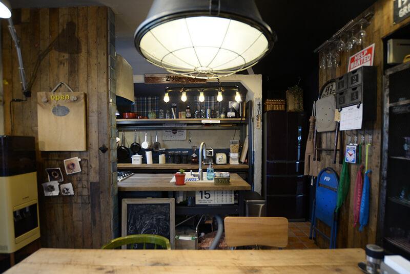 キッチンはカウンターの高さや収納力など、機能性にもこだわった空間に