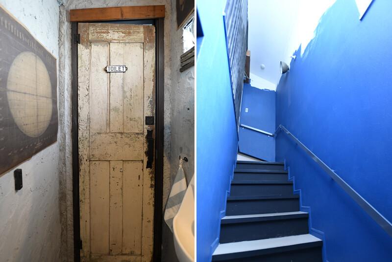 トイレのドアと階段
