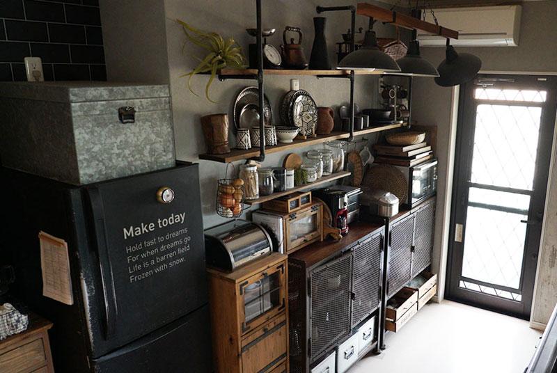 キッチンの食器棚を撤去して見せる収納に変更