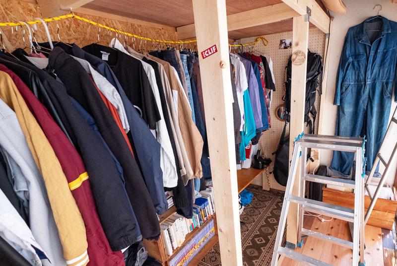 服の収納スペース