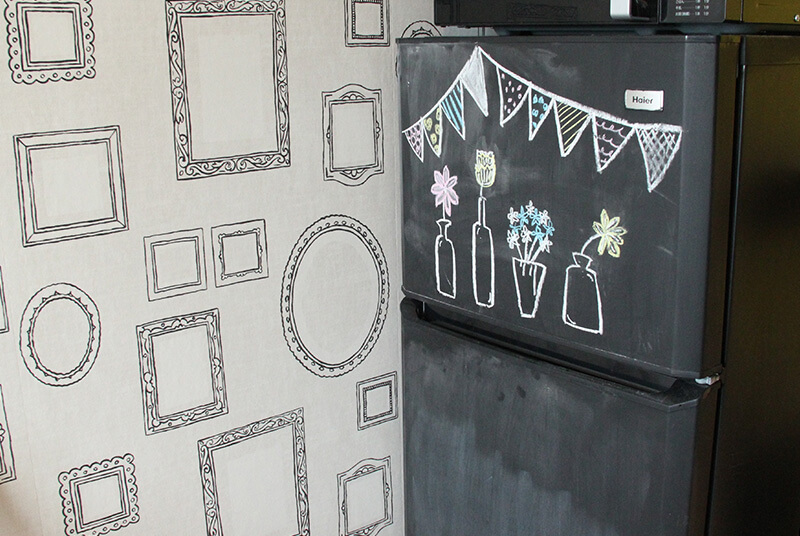 黒板塗装した冷蔵庫