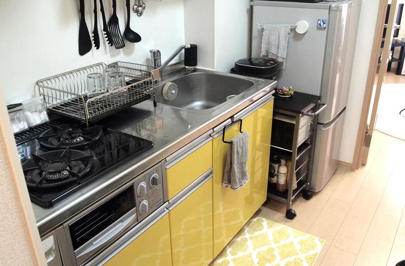 カラフルなキッチンスペース