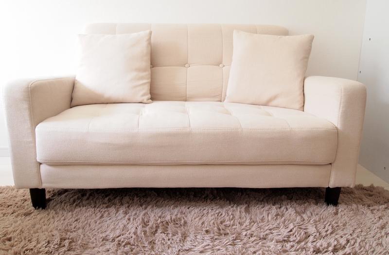 幅が広めのソファ