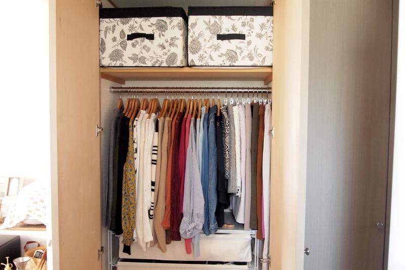 クローゼットの洋服の収納