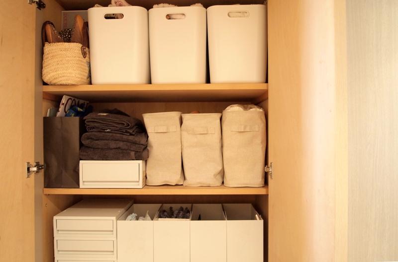 日用品のストックやタオルの収納
