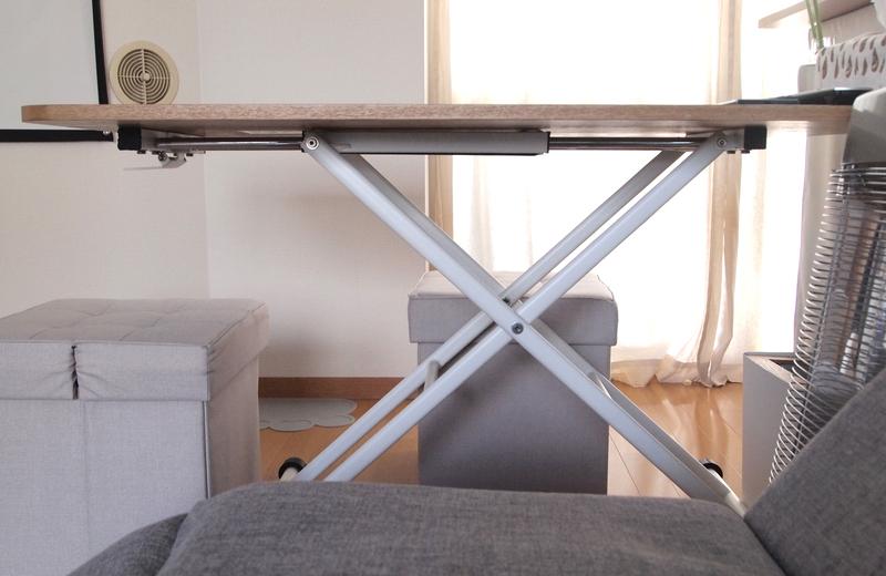 昇降式のテーブル
