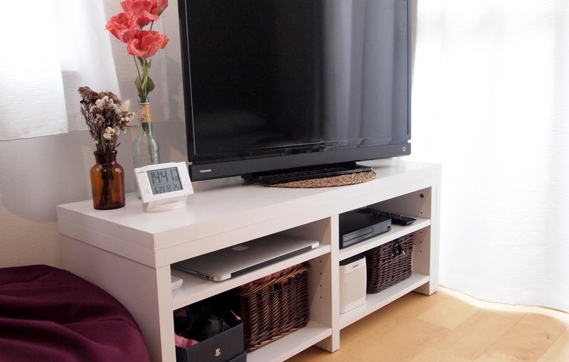 大きさを変えられるテレビ台