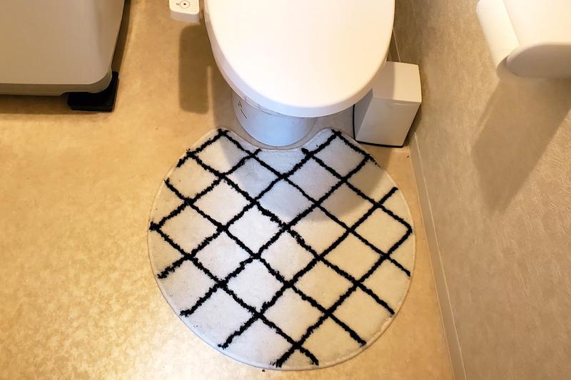 ラグと同じデザインのトイレマット