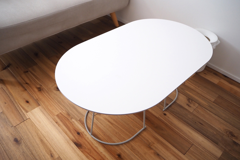 一癖あるデザインのテーブル