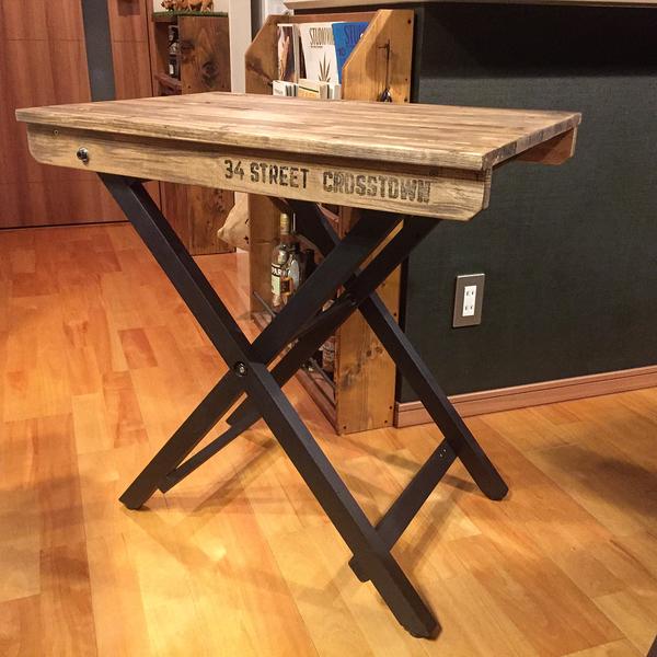 セルフリノベーションした折りたたみ式テーブル