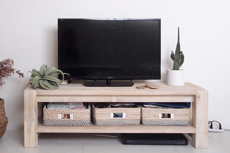 収納を考えたテレビボード