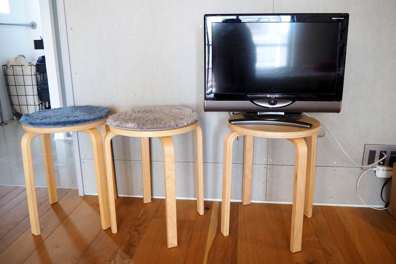 テレビボード代わりの椅子