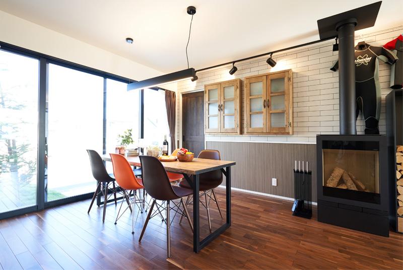 カフェやダイナーのような家具