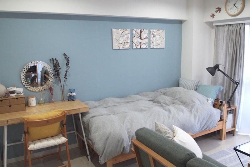ブルーとグレーで統一した部屋