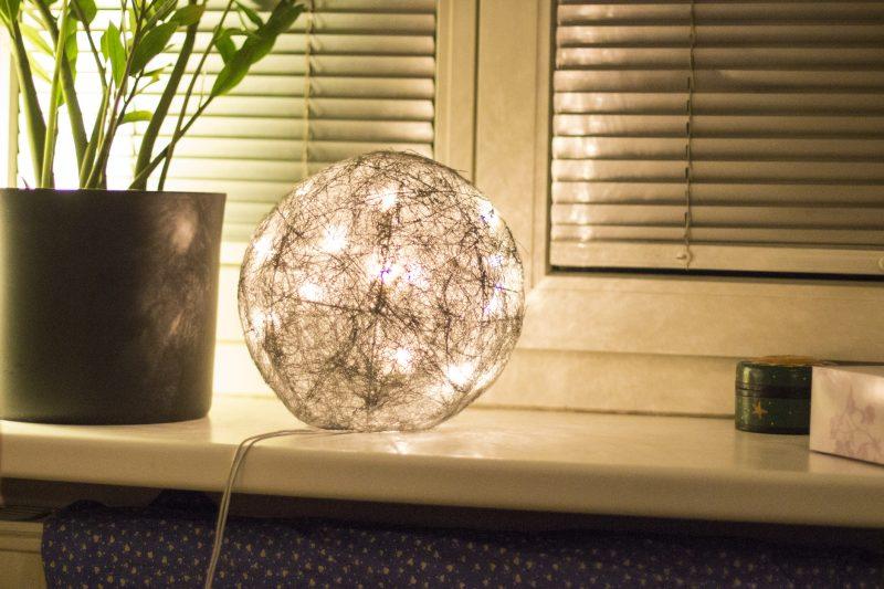 和風の照明なら置き型ランプがおすすめ