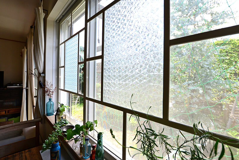 レトロ風にリメイクした窓