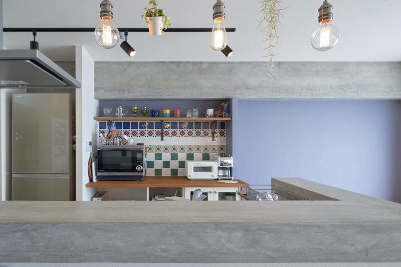 モルタルで仕上げた今っぽいキッチン