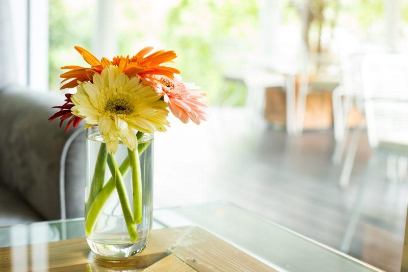 ビタミンカラーの花や雑貨を3-1