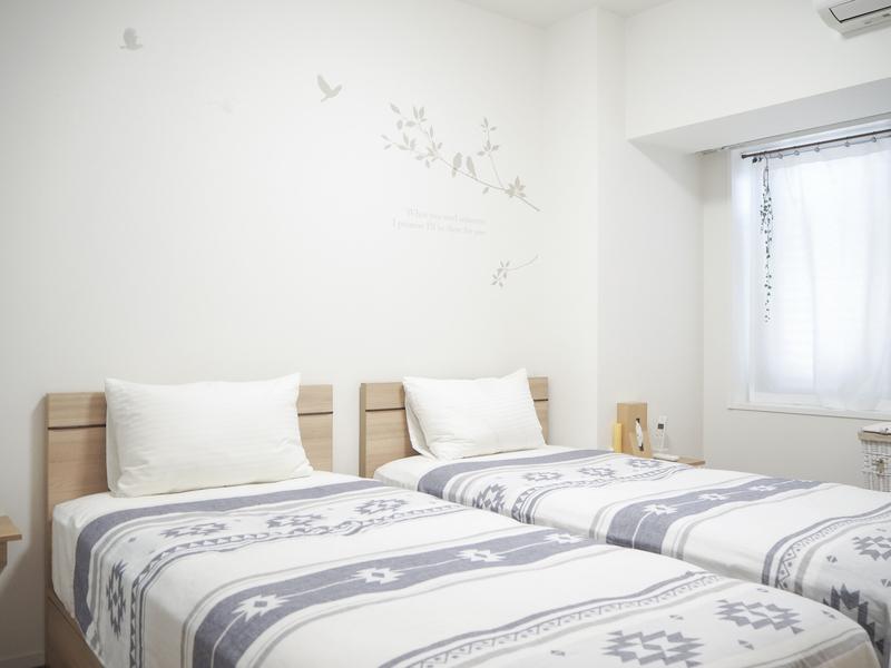 コンパクトなベッドルーム
