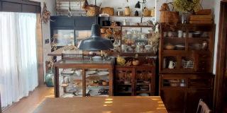 【こだわりの部屋づくりvol.29:前編】 古き良きものに囲まれたカフェ風インテリア!心休まる自然素材の部屋づくり (makoさん)