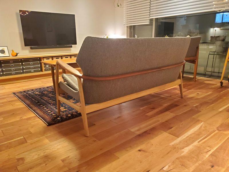 オシャレなデザインのソファ背面