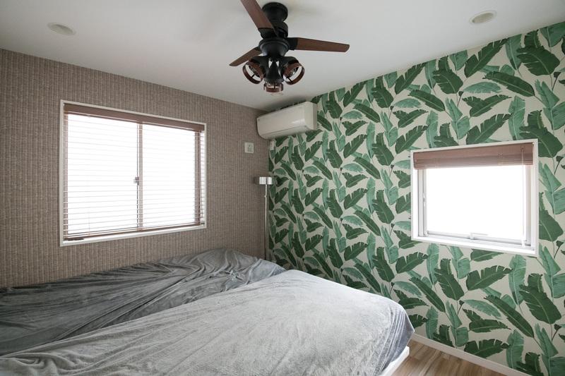 寝室の2種類の壁紙