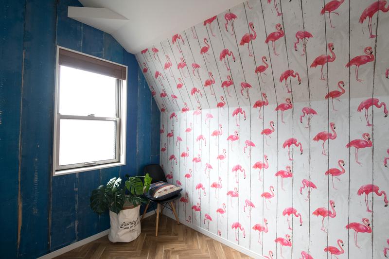 フラミンゴ柄壁紙