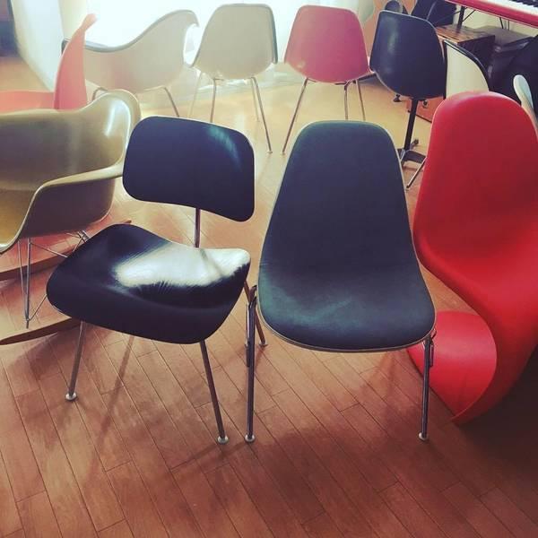 たくさんの椅子