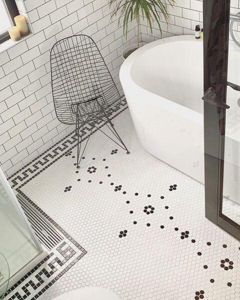 バスルームに置いた椅子