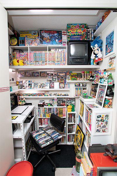 クローゼットの中に作った書斎
