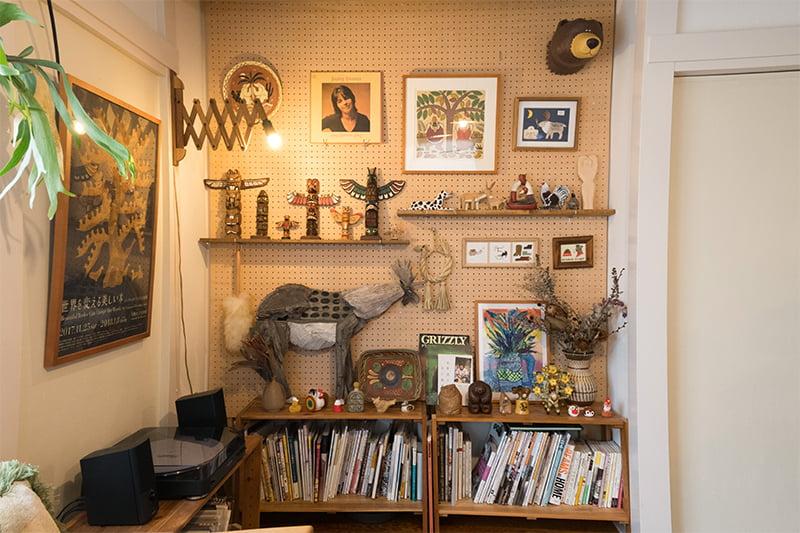 木彫りの置物をバランスよく飾るポイント