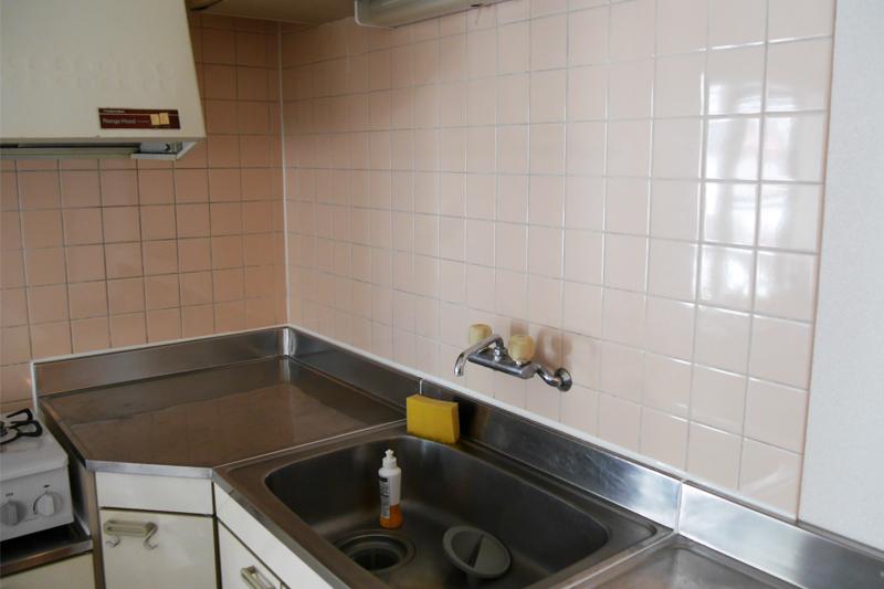 棚を付ける前のキッチン