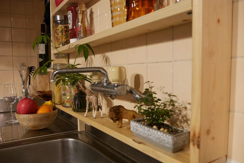 キッチンの壁面収納棚
