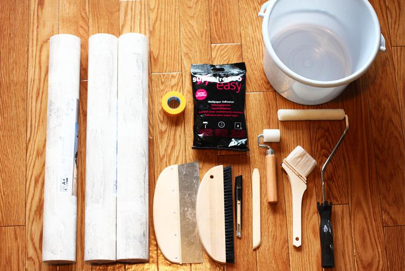 壁紙と貼り替えの道具
