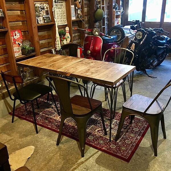 DIYをしたテーブル