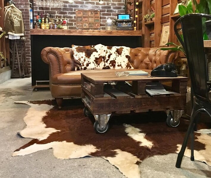 DIYしたテーブルとソファ
